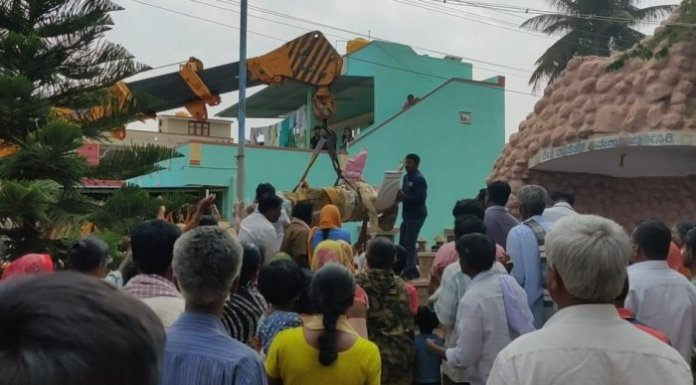 12 foot Jesus statue and crosses planted atop a hill in Devanahalli removed after locals allege land encroachment and conversions