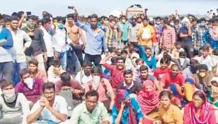 Students defy coronavirus lockdown, turn violent at AP-Telangana border
