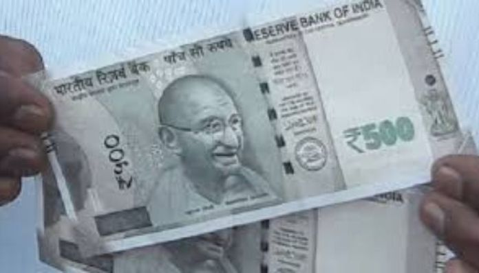 Lucknow residents believe ₹500 currency note was kept to spread Coronavirus