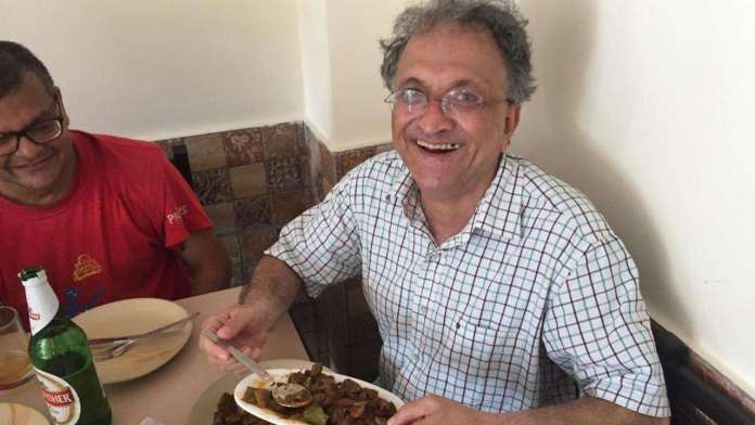 After being mocked, Ram Guha distances himself from the