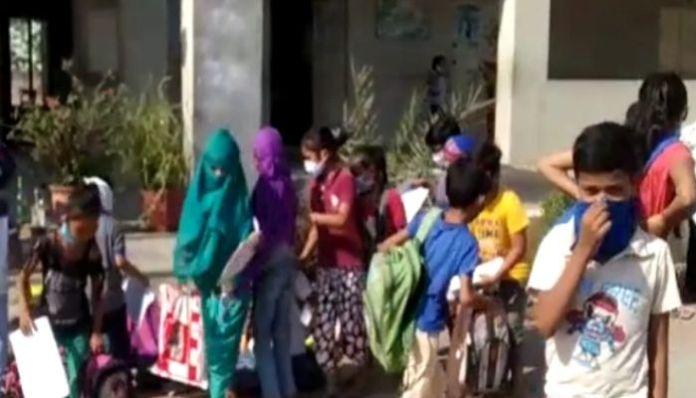 Rajkot: 100 students attend school, amidst Coronavirus lockdown