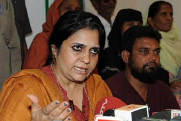 Teesta Setalvad was awarded with the lifetime achievement award by the Delhi Minority Commission