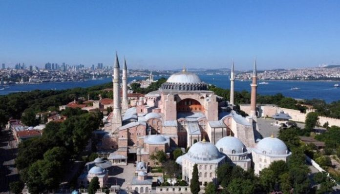 Turkey: 1500-year-old Catherdal Hagia Sophia converted to a mosque