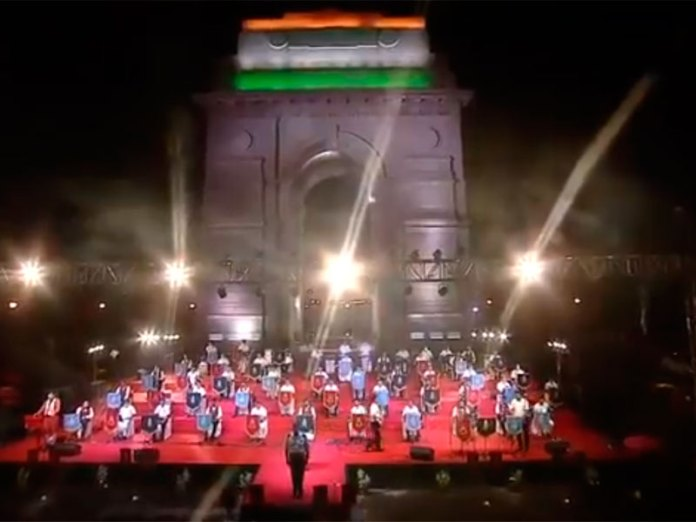 Tri-Services bands Delhi