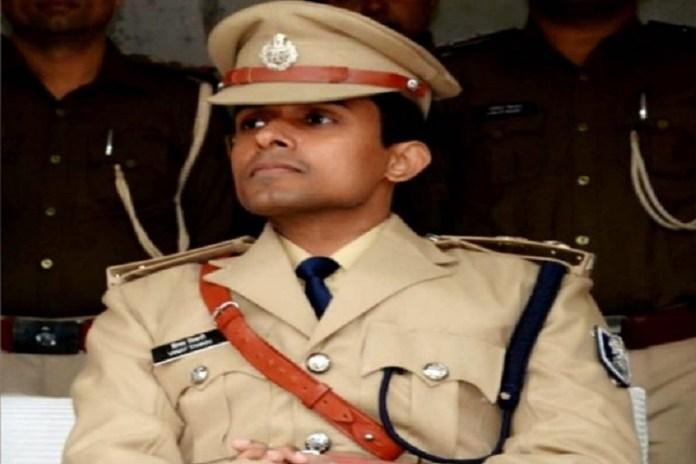 IPS officer Vinay Tiwari released from quarantine