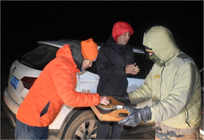 Indian Army rescues 3 Chinese nationals stranded in the plateau region of North Sikkim