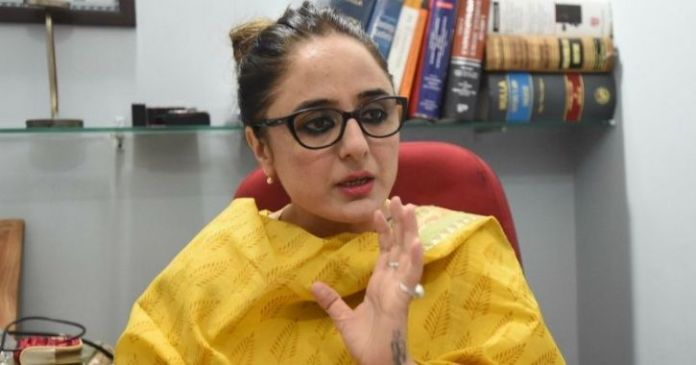 Deepika Rajawat, the lawyer who was removed by the Kathua victim's family, offers her services to Hathras victim's family