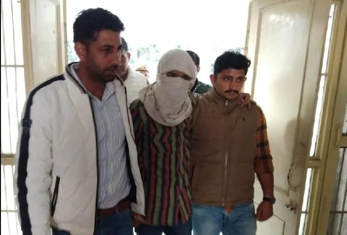 Police arrested Mohammad Vikas from Delhi airport, accused of facilitating telephonic conversations of banned outfits in India