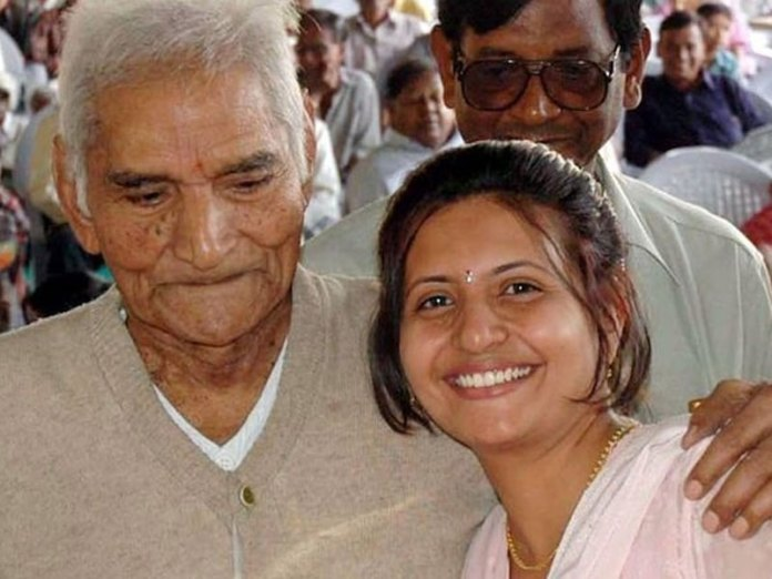 Sheetal Amte, granddaughter of Baba Amte commits suicide