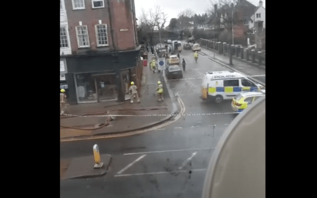 Molotov cocktail thrown near synagogue in Golders Green, London, not believed to be related to terrorism or antisemitism: Reports