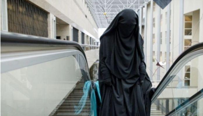 Sri Lanka: Cabinet Minister signs order to ban burqa, unregistered Madrassas