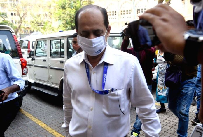 Controversial cop Sachin Vaze suspended again