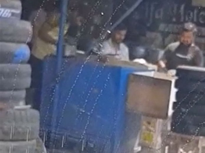 Gurugram: Cook found spitting on rotis