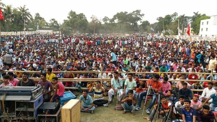 CPI(M) continues to organise massive political rallies despite calling them off citing the COVID-19 crisis