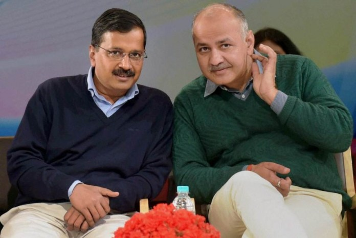 After splurging money on advertisements, Kejriwal government wants the Centre to distribute vaccines for free