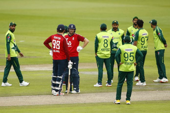 Pakistanis slam their govt for not broadcasting upcoming England series