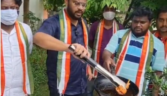 Congress workers fry 'bird', courier it to Twitter for blocking Rahul Gandhi