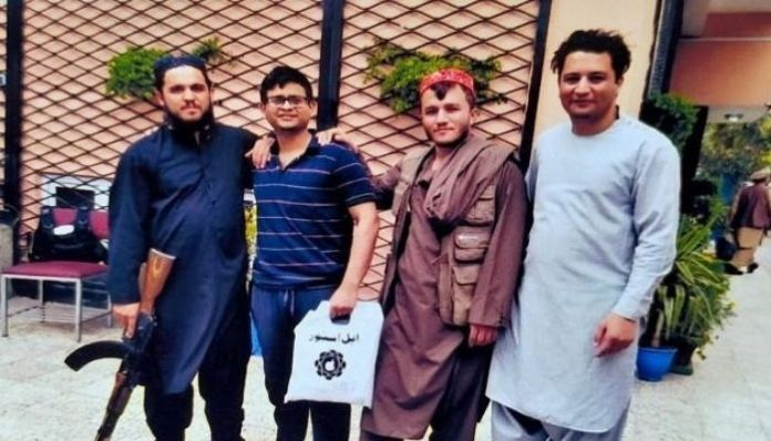 Picture of Tamal Bhattacharya posing with Talibs surfaces, may flee India soon
