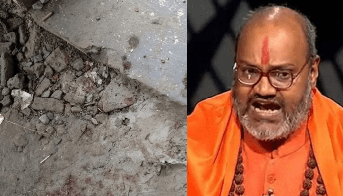 UP: Disciple of Yati Narasimhanand stabbed with knife at Dasna Devi temple