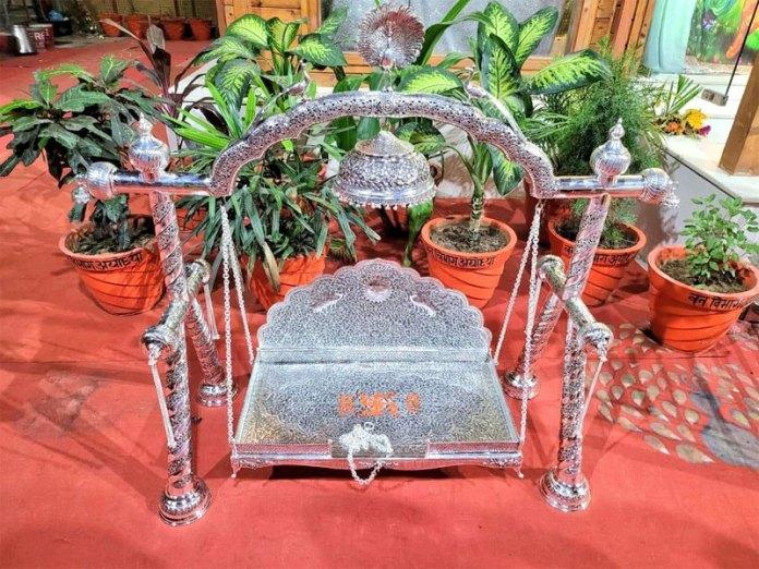 Ram Mandir trust to celebrate Shravan jhula utsav, 21 kg silver jhula arrives for Ram Lalla