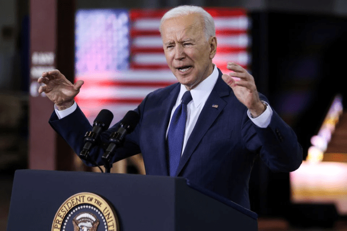 'Dictator' or senile? Joe Biden threatens to get Governors 'out of the way' using presidential powers, leaves citizens outraged