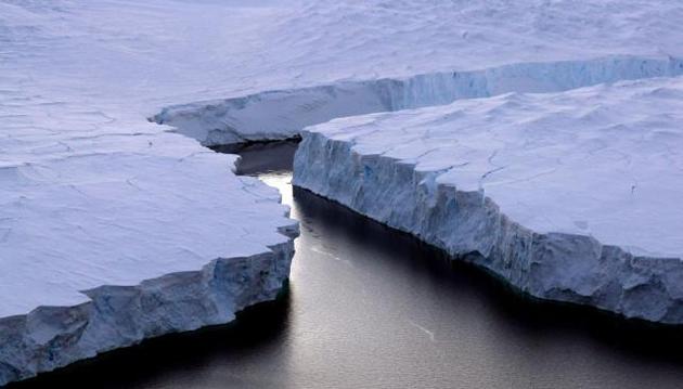 Desprendimiento de Iceberg en la Antártida - Foto:
