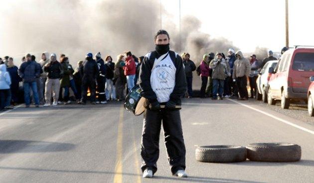 Los policías autoconvocados se movilizaron por las calles de Río Gallegos esta tarde - Foto: OPI Santa Cruz/Francisco Muñoz