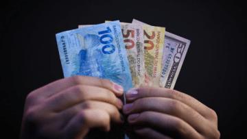 Screenshot_2020-07-13-Circulação-de-dinheiro-em-espécie-aumenta-no-mundo-diz-estudo