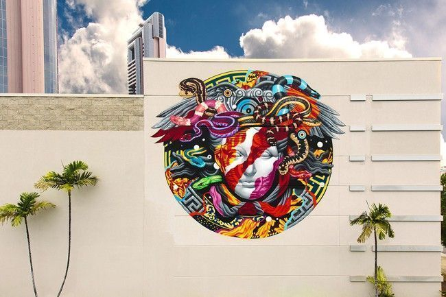 tristan-eaton-versace-medusa-mural
