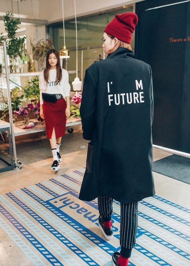 Dim-e-cres-lookbook-i-m-the-future-01