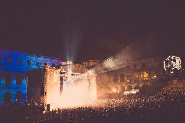 Dimensions - Roman Amphitheatre - credit Dan Medhurst