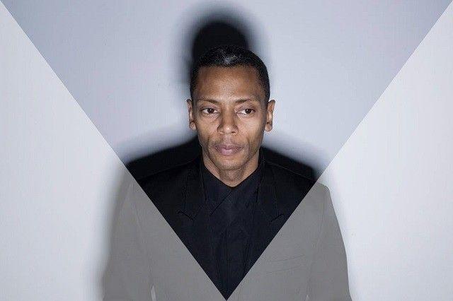 Jeff-Mills-triangle