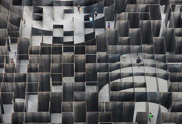 Gijs-Van-Vaerenbergh-labyrinthe-acier3