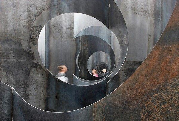Gijs-Van-Vaerenbergh-labyrinthe-acier5