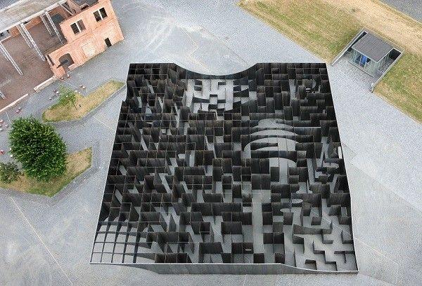 Gijs-Van-Vaerenbergh-labyrinthe-acier8