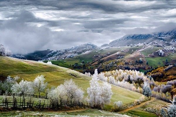 Romania, Land of Fairy Tales de Eduard Gutescu