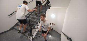 48 étages, 934 marches : une course dans le plus haut building de France