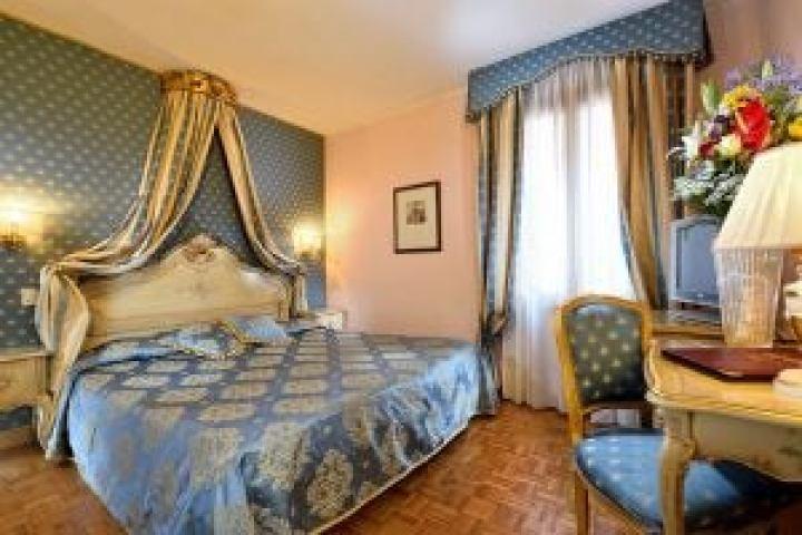ein Luxuszimmer im Royal San Marco Hotel Venedig