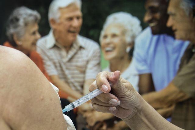 Resultado de imagem para vacinas idosos