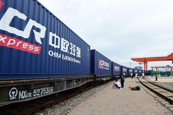 EU niega que llegó a un acuerdo sobre aranceles con China.