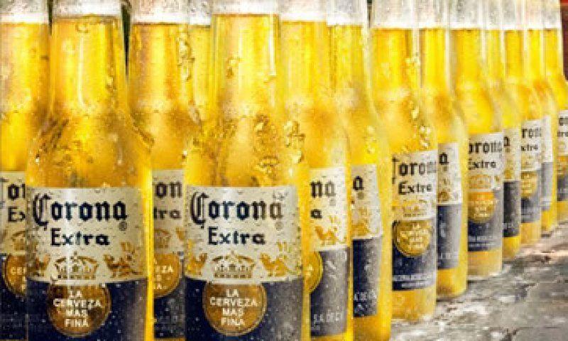 La cerveza Corona se produce por primera vez en el extranjero.