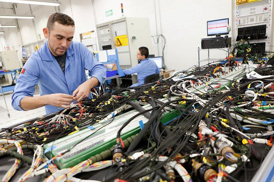 Las exportaciones de arneses eléctricos de enero a julio sumaron 7,290 millones de dólares.