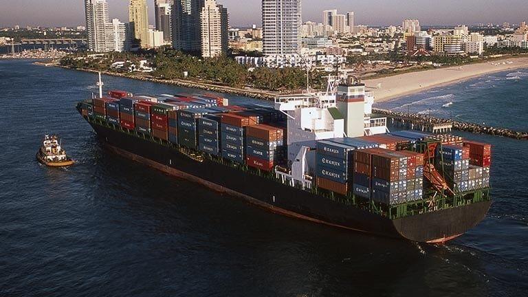 La flota de contenedores en el mundo se situó en 22.7 millones de TEU.