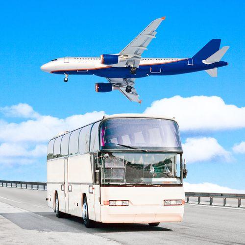 En México crece la competencia entre los servicios de autobuses y aviones.