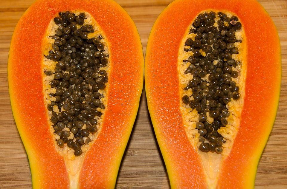 En el comercio mundial, las papayas tienen un mercado relativamente específico, con exportaciones que promedian solo 200,000 toneladas por año durante 2016-2018, de las cuales alrededor de 170,000 toneladas proceden de América Latina y el Caribe.