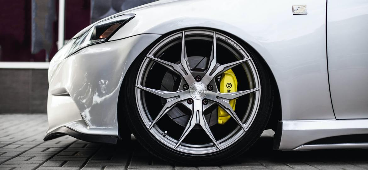 Factors Affecting the Shelf Life of Performance Tyres