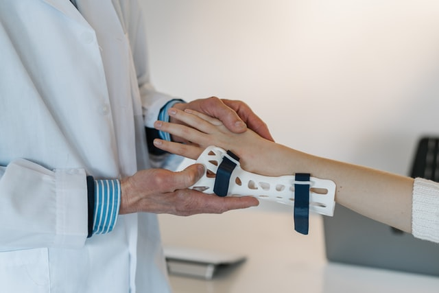 Best Wrist Supports & Braces to Wear for Carpal Tunnel Syndrome