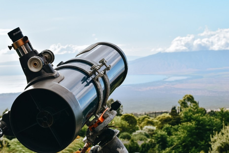 Ali je teleskop mogoče uporabljati čez dan?