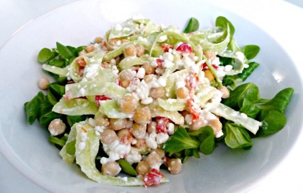 Salade kikkererwt huttenkase