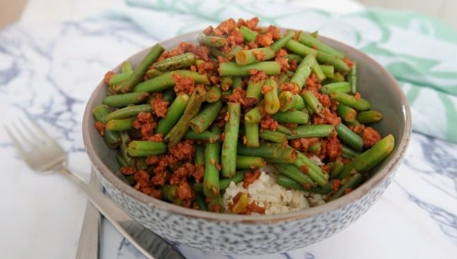 Rijst met vegetarisch gehakt